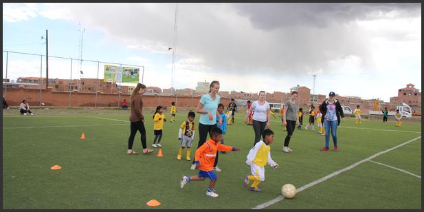 Karmøy Folkehøyskole på El Alto besøk